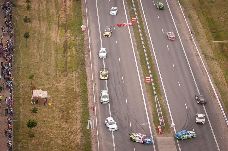 """Vytauto Pilkausko nuotr./""""ENEOS 1006 km"""" lenktynių akimirka"""