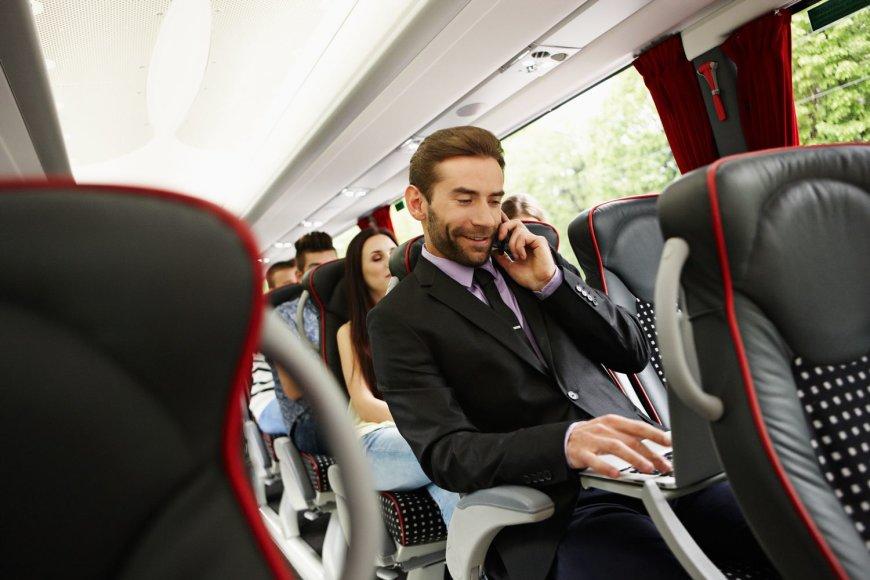 Vis daugiau verslo klientu kelionems taip pat renkasi autobusus