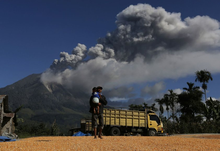 Ugnikalnio išsiveržimas Indonezijoje