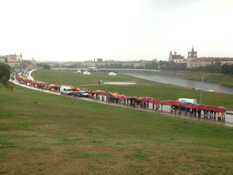 Baltijos kelio metinėms - rekordinė trispalvė