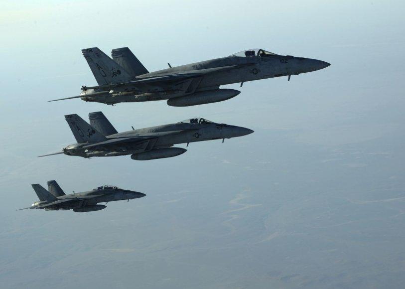 """F-18E Super Hornet"" naikintuvai"