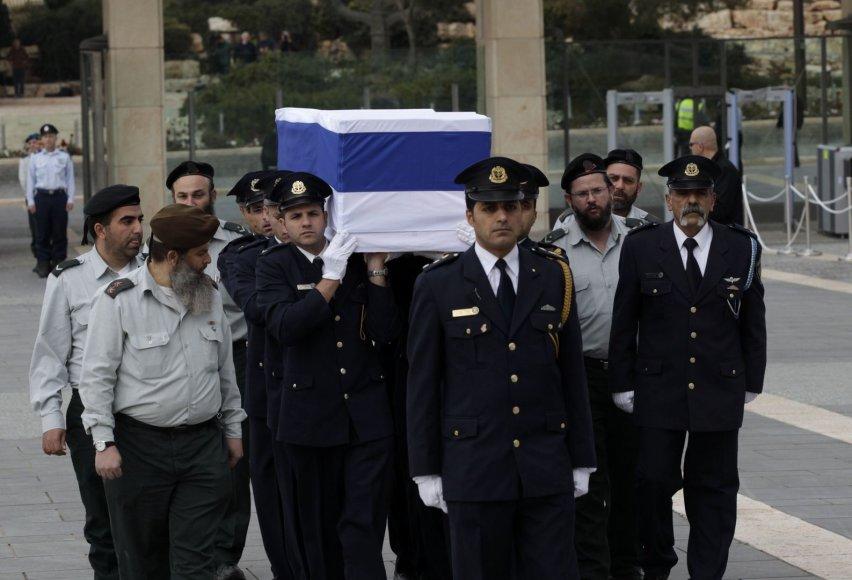 Atsisveikinimas su Arieliu Sharonu