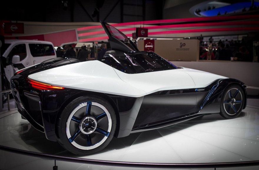 """""""Nissan BladeGlider"""" konceptas Ženevoje"""