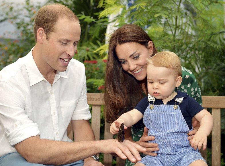Princas Williamas ir Kembridžo hercogienė Catherine su sūnumu George'u
