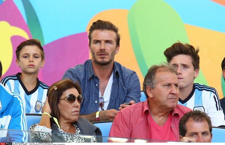 Davidas Beckhamas su sūnumis