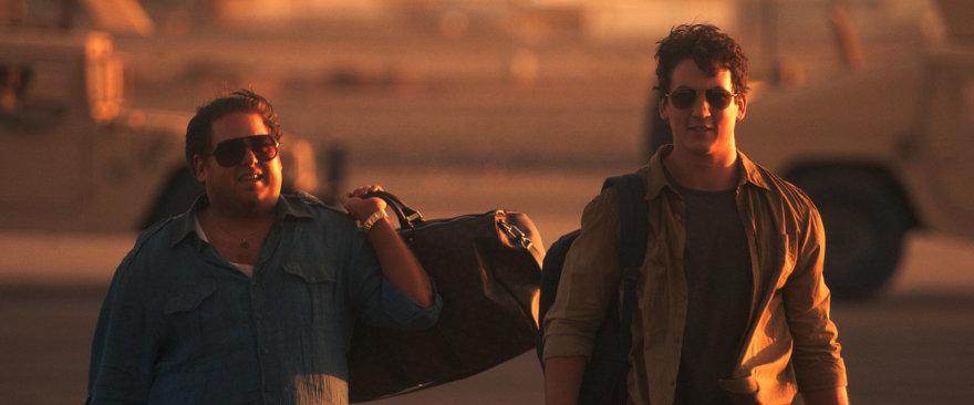 """Kadras iš filmo/Jonah Hillas ir Milesas Telleris komedijoje """"Karo šunys"""""""