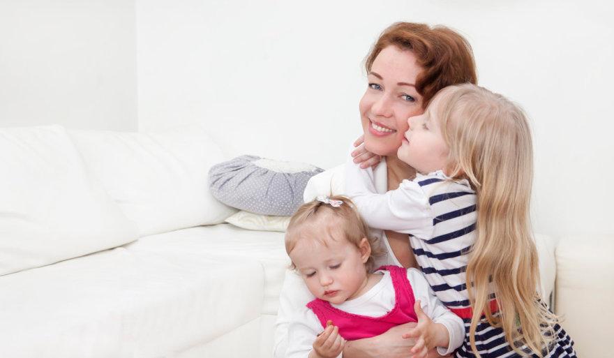 Aistė Jasaitytė-Čeburiak su dukromis