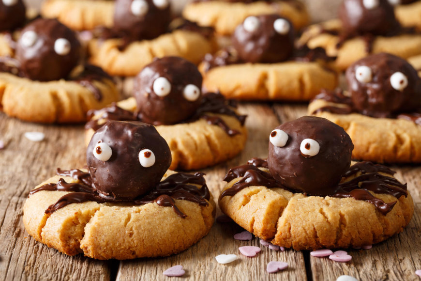 Trapūs sausainiai su šokoladiniais voriukais
