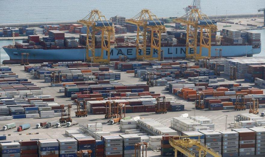 Barselonos uostas. Ispanijos pramonė jau rodo atsigavimo ženklus.