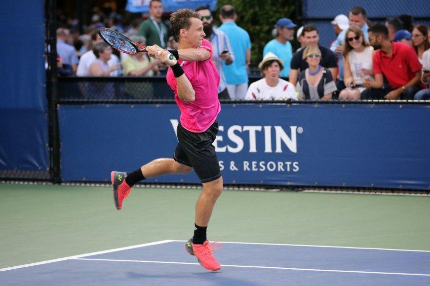 """Ričardas Berankis """"US Open"""" starte nugalėjo Maleką Jazirį"""