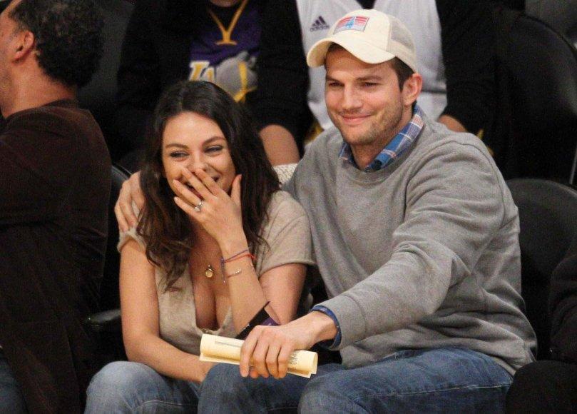 Mila Kunis ir Ashtonas Kutcheris