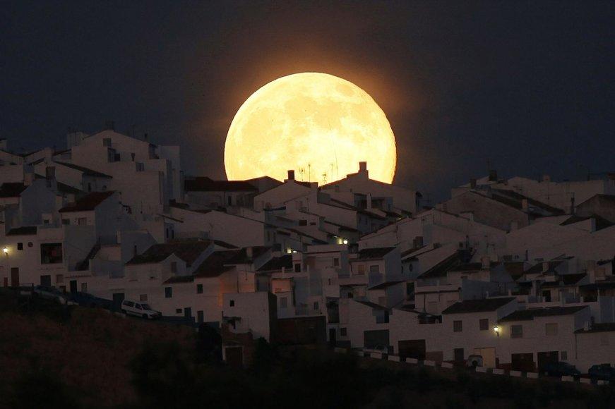 Mėnulis Ispanijoje