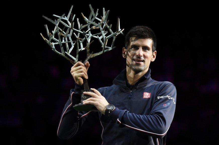 """Novakas Džokovičius  iškovojo 20-ą """"Masters"""" serijos turnyro nugalėtojo titulą"""