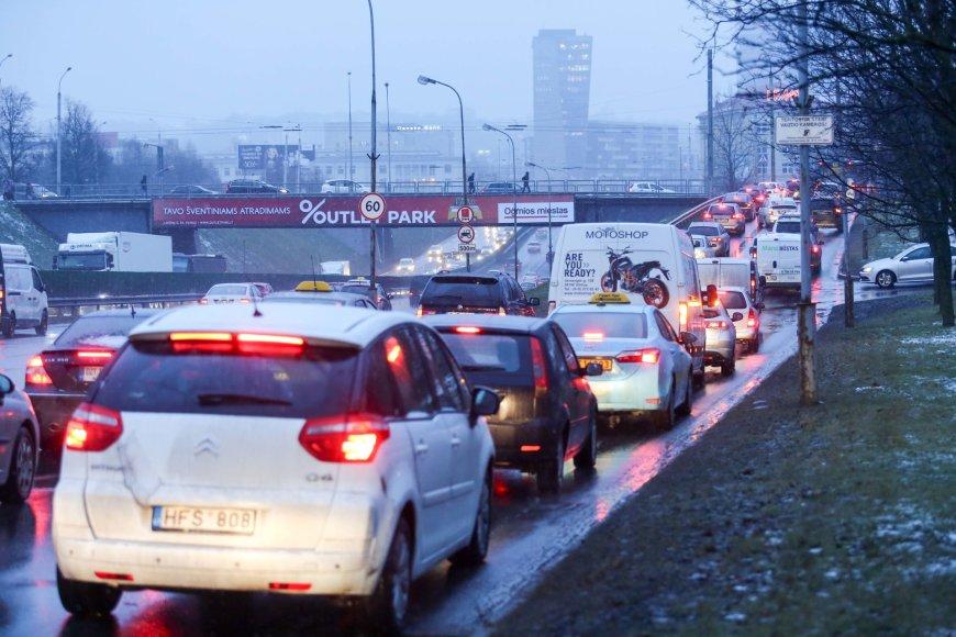 Kalėdinės transporto spūstys Vilniuje