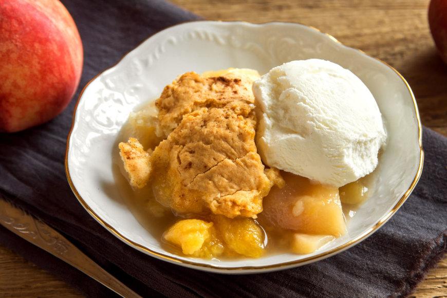 Keptas desertas su persikais