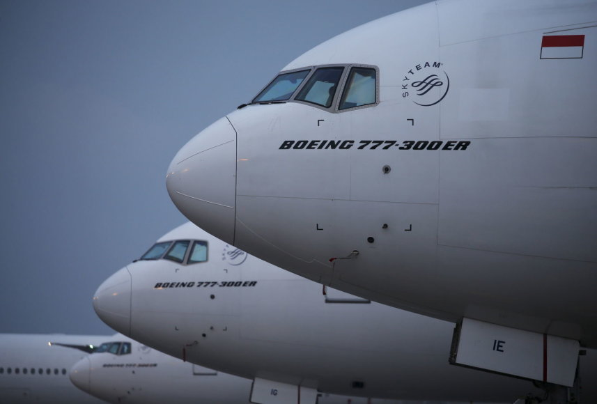 Lėktuvai Indonezijos oro uoste