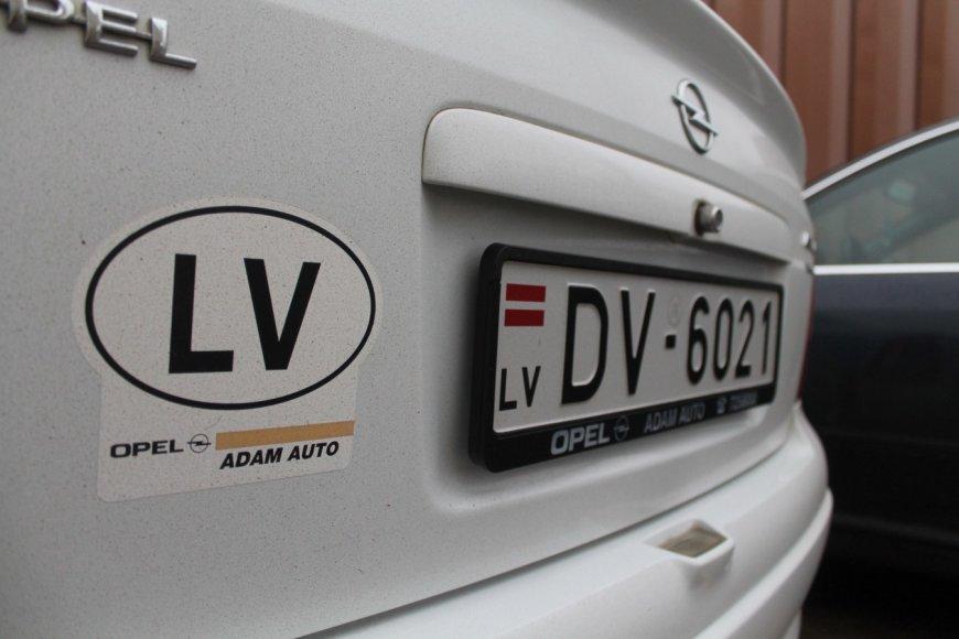 Automobiliai latviškais numeriais