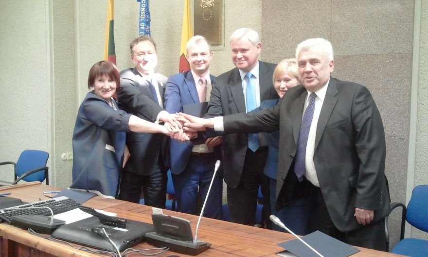 Naująją Klaipėdos savivaldybės tarybos valdančiąją koaliciją sudarysiančių partijų skyrių vadovai
