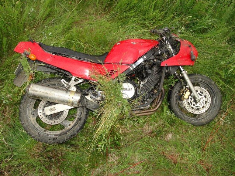 """Avarijoje apgadintas """"Yamaha"""" motociklas"""