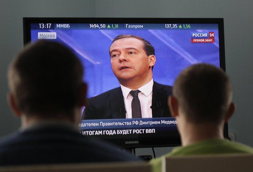 Dmitrijus Medvedevas tiesioginiame eteryje