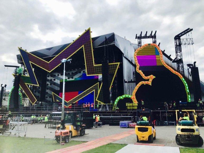 Robbio Williamso koncerto scena Vingio parke