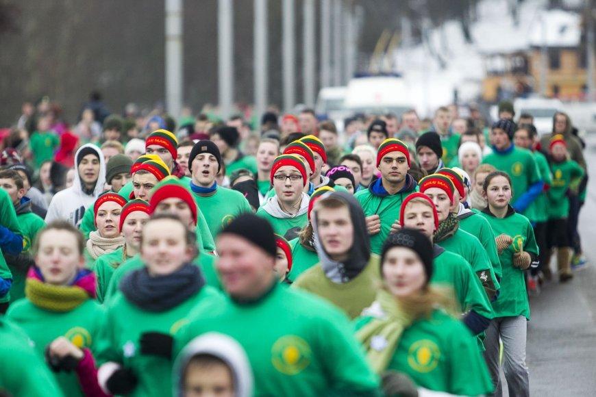 """Bėgimas """"Gyvybės ir mirties keliu"""", skirtas 1991 metais žuvusiems Lietuvos laisvės gynėjams atminti."""