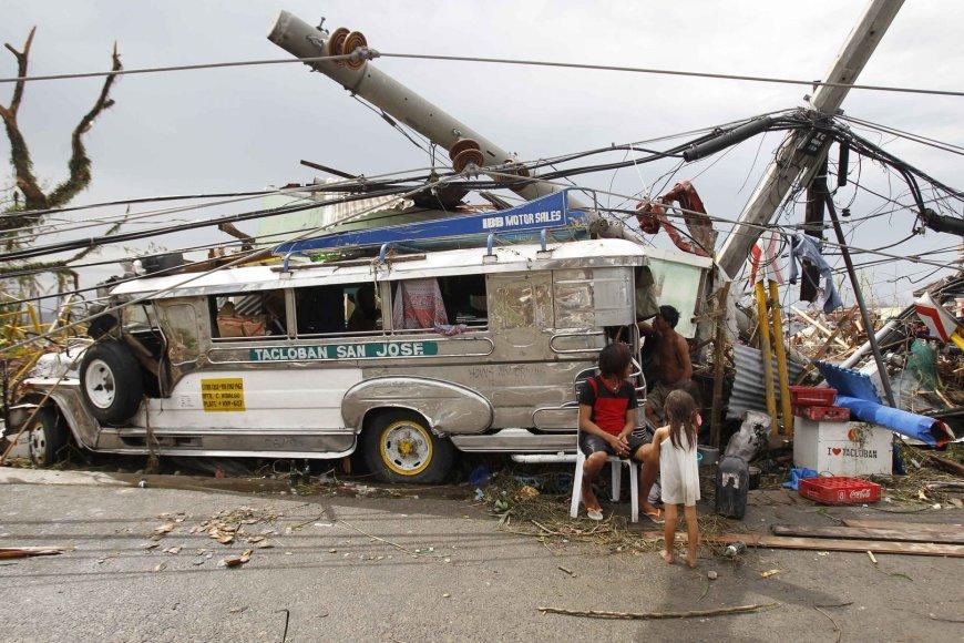Taifūnas Haiyan Filipinuose nusiaubė Taklobano miestą