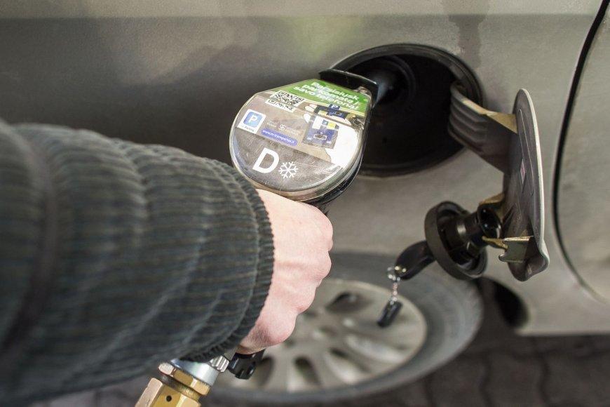 """Degalų kainos """"Neste Oil"""" degalinėse"""
