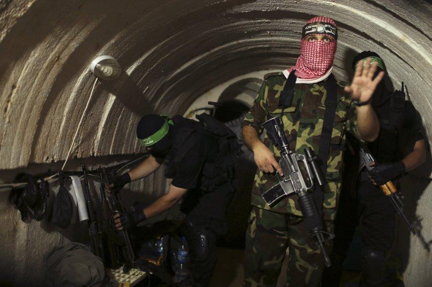 """""""Hamas"""" kovotojai tunelyje, Gazos Ruože"""