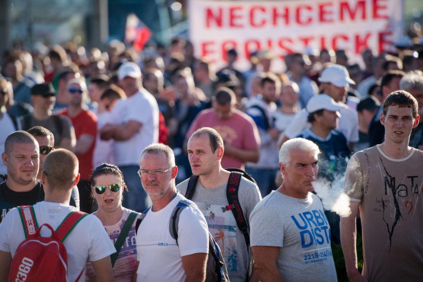 """Streikas Slovakijoje davė vaisių: """"Volkswagen"""" gamyklos darbuotojai išsireikalavo didesnių algų"""