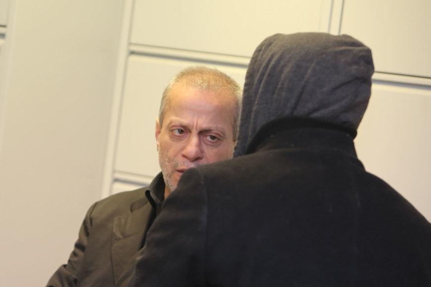 Libanietis Malekas Mohammadas Kara ir iš Alžyro kilęs Mohamedas Hamdi (nusisukęs).