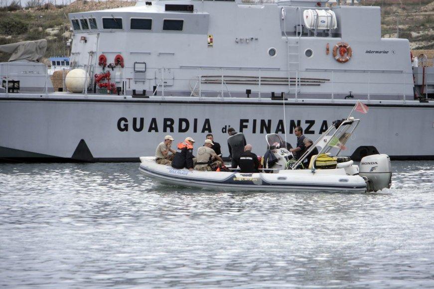 Prie Italijos Lampedūzos salos – emigrantų laivų nuolaužos