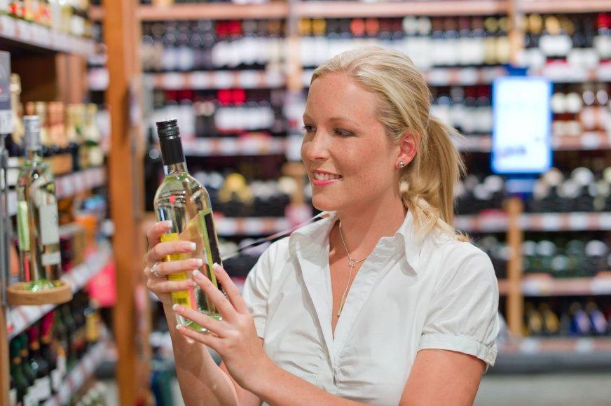 Perkantiems vyną ir kiaulieną – naujos kliūtys