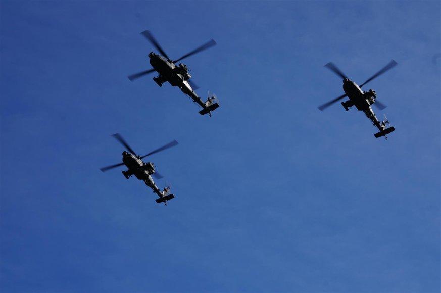 JAV sraigtasparniai virš Vilniaus