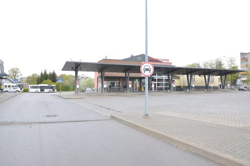 Dėl sunkių siuntinių telšiškiai gali įvažiuoti į autobusų stoties teritoriją.