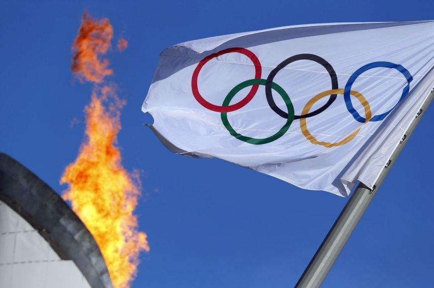 Sočio olimpinių žaidynių ugnis ir olimpinė vėliava