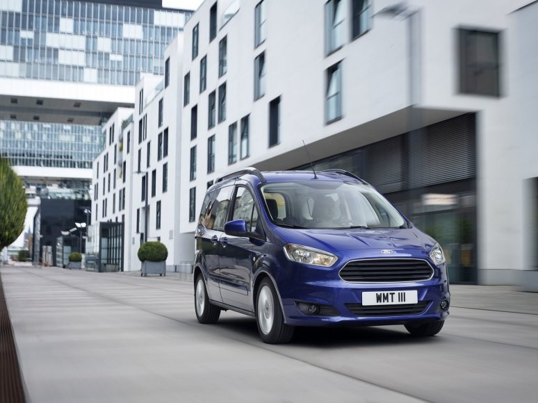"""""""Ford Tourneo Courier"""""""