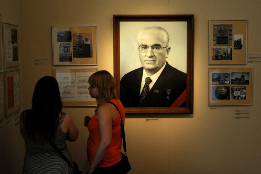 Paroda apie Jurijų Andropovą