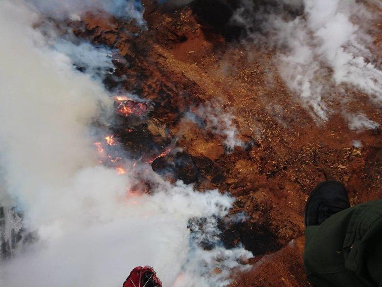 """""""Gairelitoje"""" kilusio gaisro vaizdas iš sraigtasparnio antrąją dieną"""