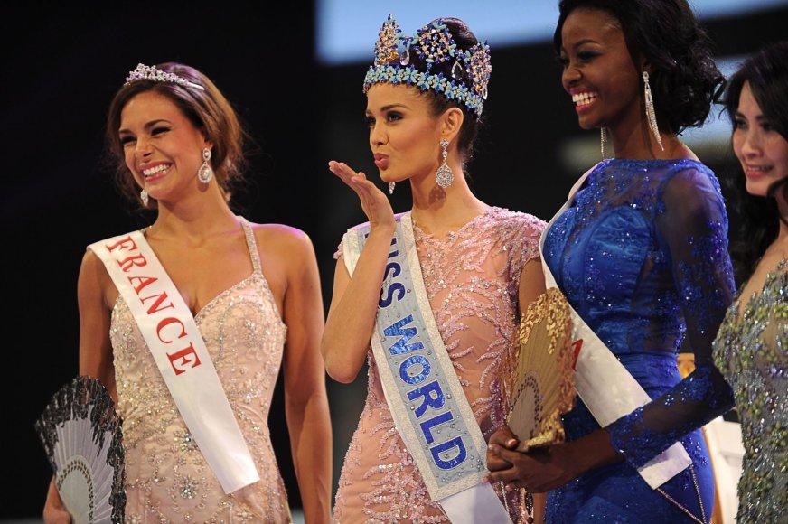 """Mis Pasaulis 2013"" tapo Filipinų atstovė Megan Young (centre)"