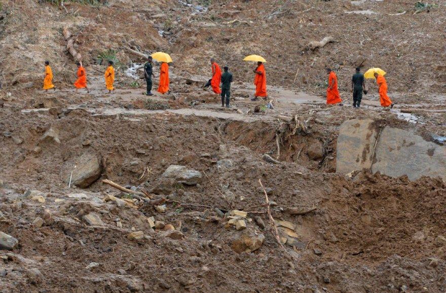 Šri Lankoje po potvynių ir nuošliaužų toliau pluša gelbėtojai