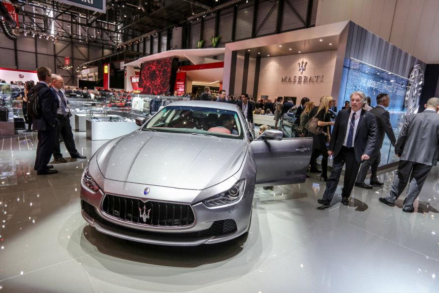"""""""Maserati"""" stendas"""