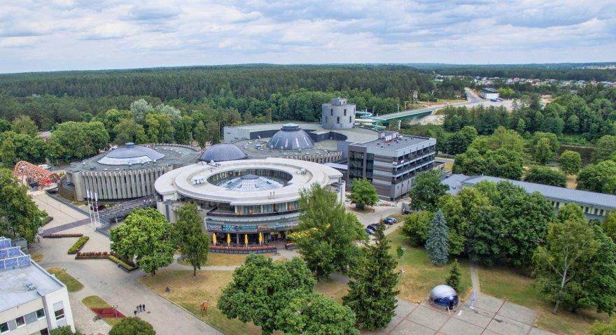 Druskininkų miesto savivaldybės nuotr./Druskininkų vandens pramogų parko vaizdas iš oro gondolos