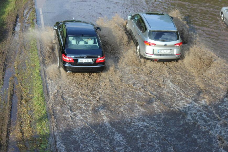 Audra Vilniuje, potvynis po Valakupių tiltu