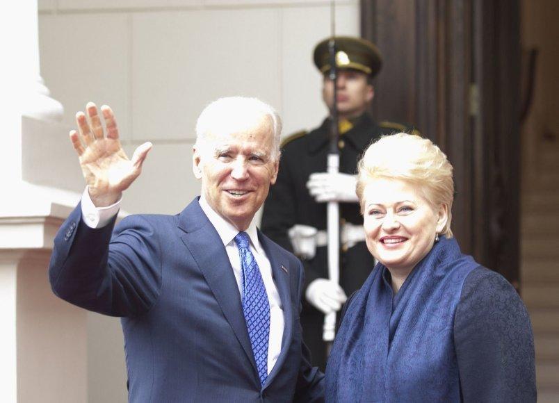 Joe Bidenas ir Dalia Grybauskaitė
