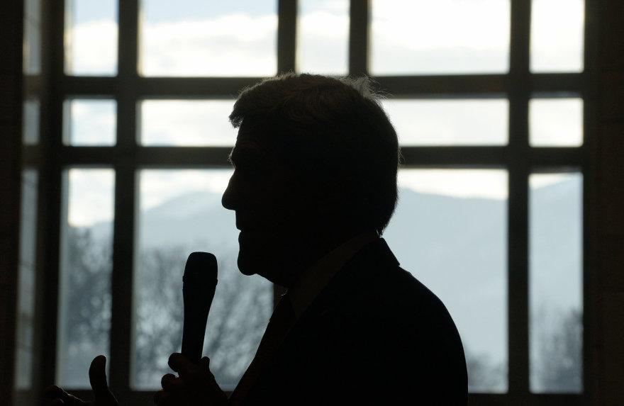 Johnas Kerry Bulgarijoje, JAV ambasadoje
