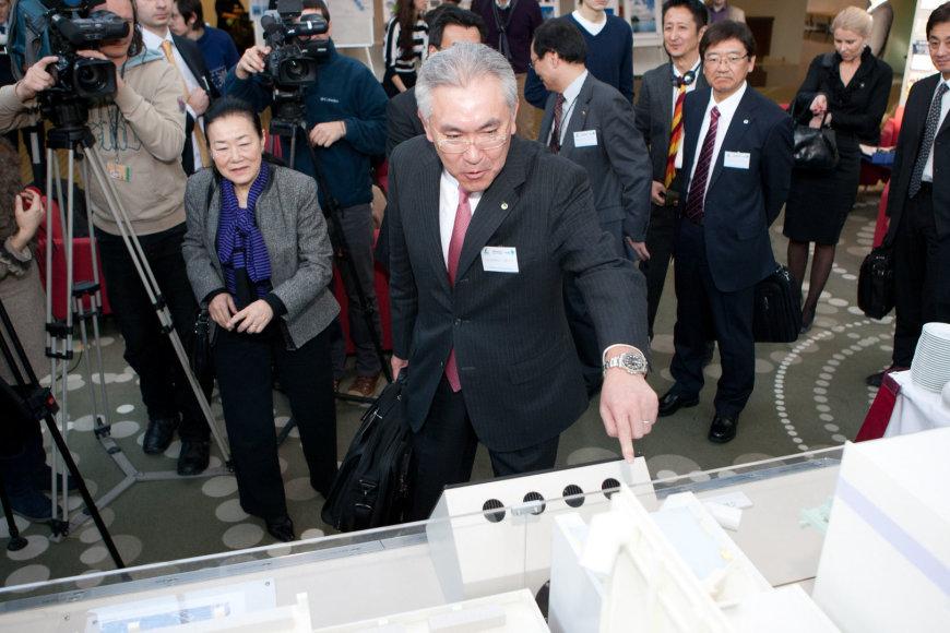 """""""Hitachi"""" viceprezidentas Masaharu Hanyu rodo, kaip atrodys Visagino atominė elektrinė"""