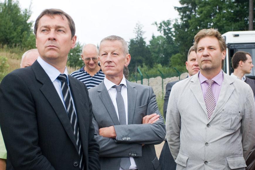 Osvaldas Markevičius (dešinėje) su buvusiu aplinkos ministru Gediminu Kazlausku (viduryje) ir Vilniaus meru Artūru Zuoku