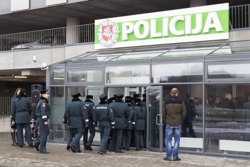 Naujasis policijos pastatas šalia Pilaitės pr.