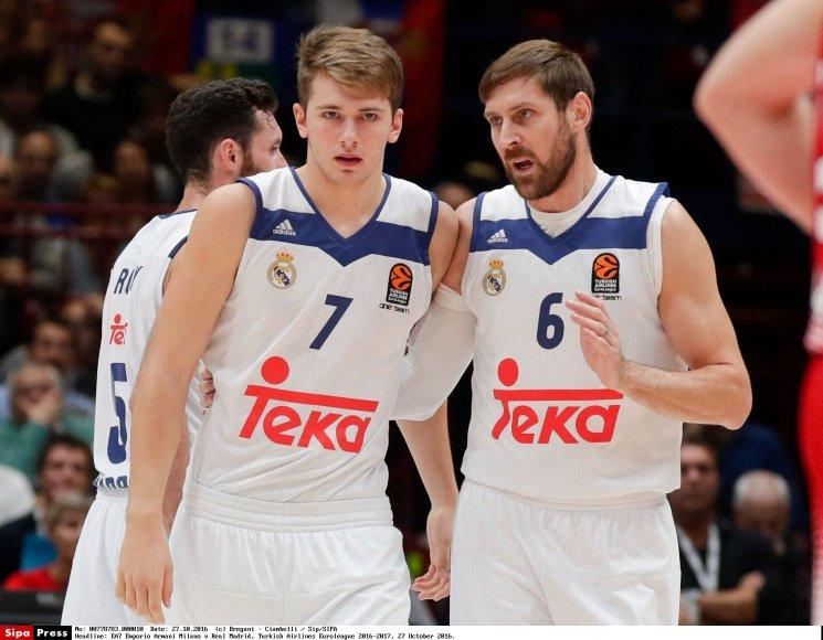 Luka Dončičius (kair.)